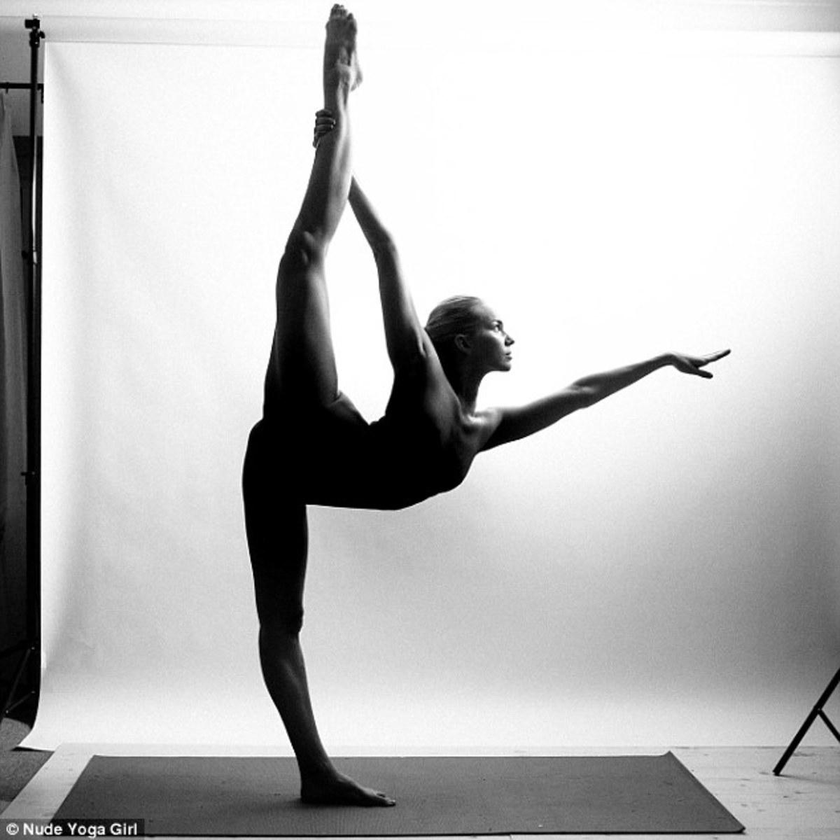 ude Yoga Girl